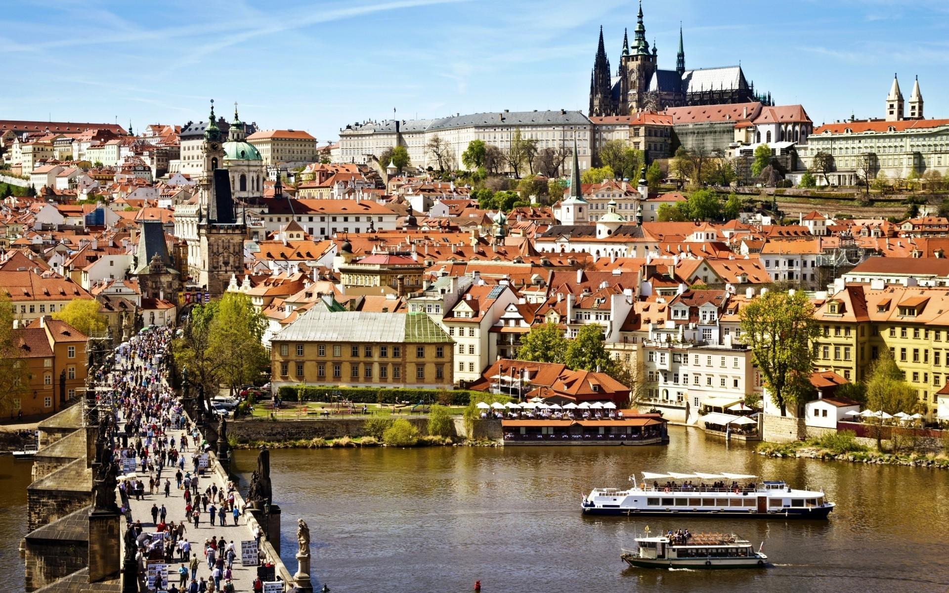 Виза в Прагу: особенности посещения чешской столицы