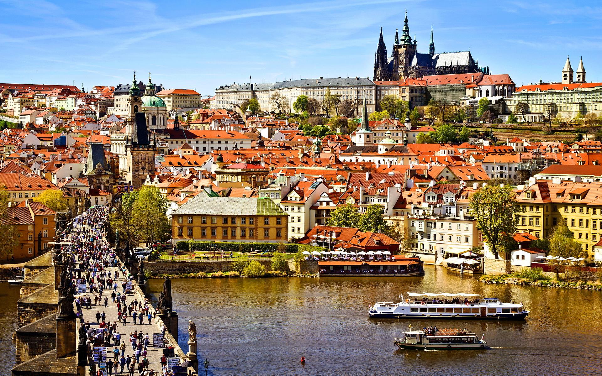 Анкета на визу в Чехию: как правильно заполнить без ошибок