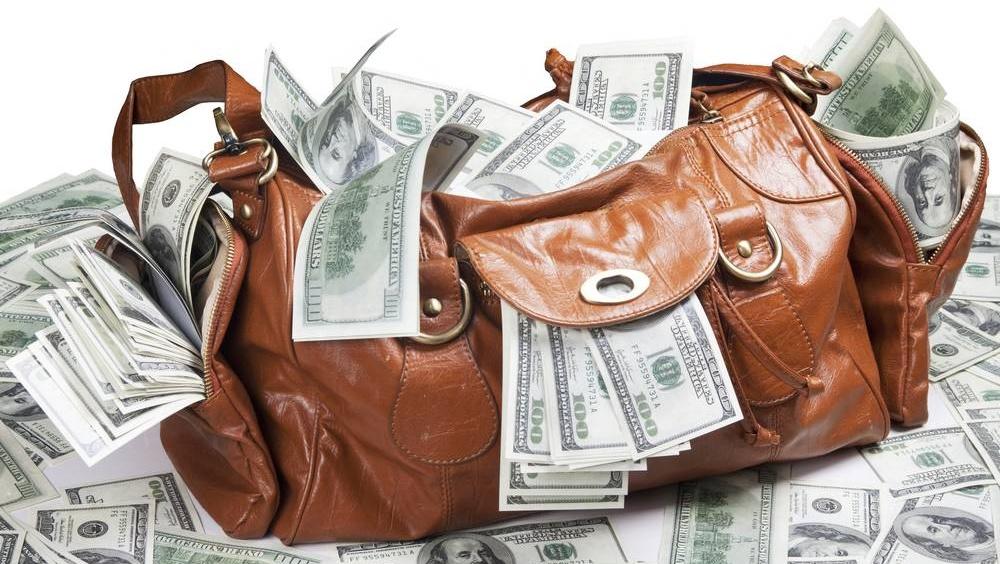 Сколько валюты можно вывезти из России за границу без декларации