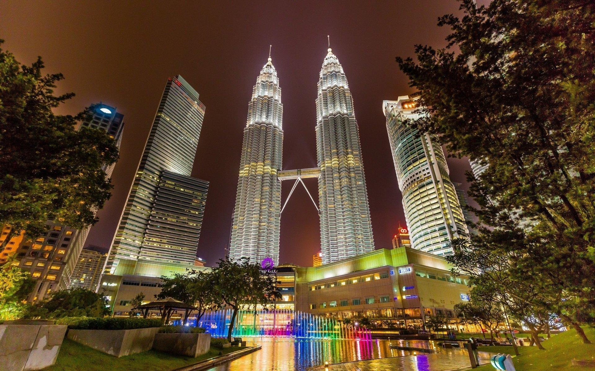 Виза в Малайзию для россиян и украинцев: Куала-Лумпур без визы